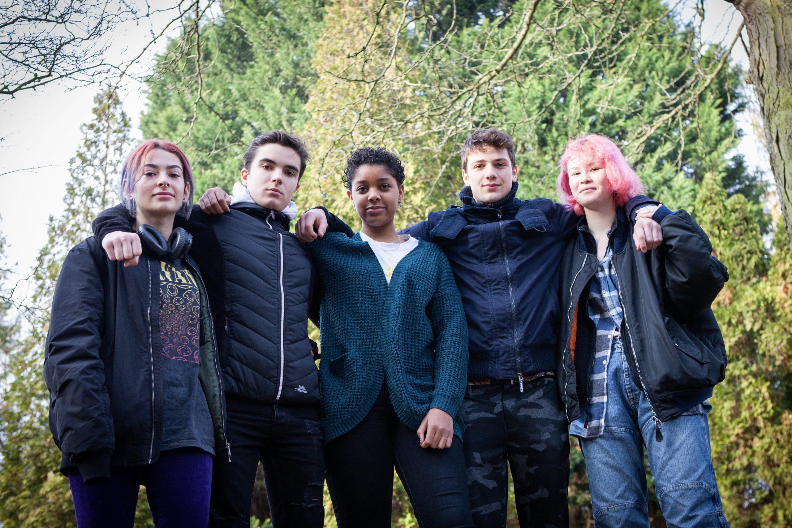 Tieners bij elkaar